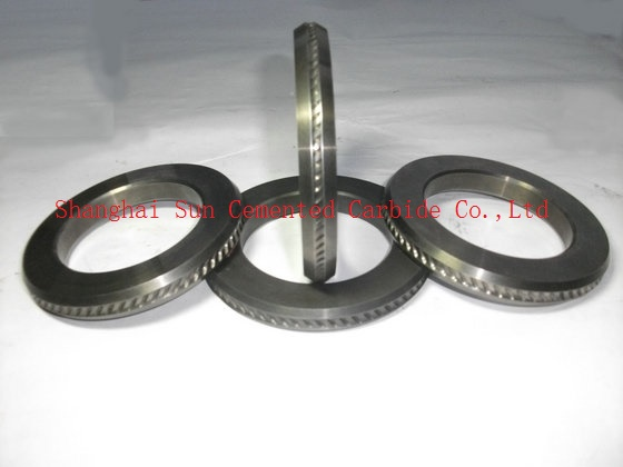 Three dimensional carbide roll ring